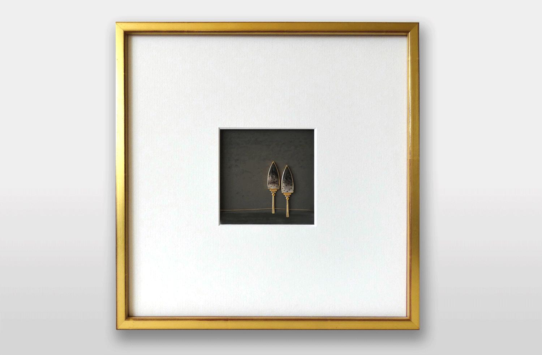 Bild in Gold und Silber geschwärzt mit Diamanten und versteinertem Holz, 30x30cm