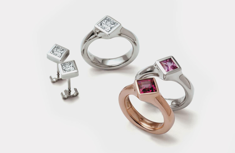 Ringe und Ohrschmuck in Gold mit Diamanten, pink Safir und Granat
