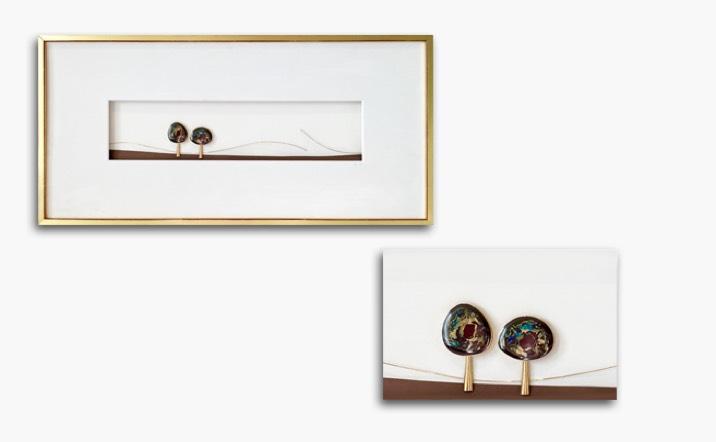 Bild in Gelbgold mit 2 australischen Opalen, Rahmen blattvergoldet 60x30cm